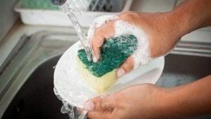 limpiar con jabón de trastes