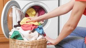 lavar ropa por coronavirus
