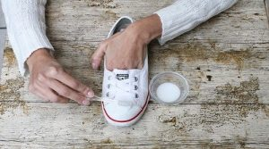 limpiar zapatillas con bicarbonato
